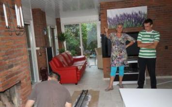 Vloerverwarming Zwolle.nl - referentie-vloertegels-25, Mvr Corry en haar zoon vindt het prachtig